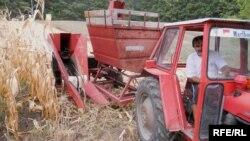 Zoran Ristanović sa svojim traktorom