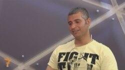 فريد لفتة البطل العراقي في رياضة القفزات الخطرة