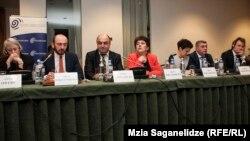 Одним из инициаторов разработки законопроекта является Народный защитник Уча Нануашвили, который поддержал версию, предложенную НПО