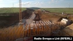 Magistrala auto din Kosovo în construcţie