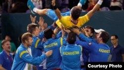 Теннистен Қазақстан құрамасы Дэвис кубогының ширек финалына өткен сәті. Астана. 8 наурыз 2015 жыл.