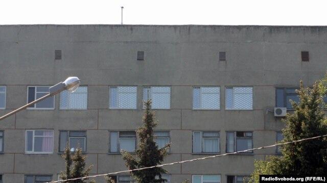 Решетки на окнах этажа харьковской больницы, где находится Юлия Тимошенко