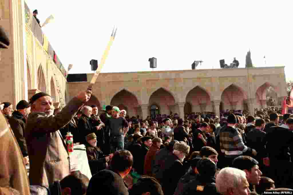 06 dekabr 2011, Nardaran pirində Aşura mərasimi (həmçinin videoyaya bax)