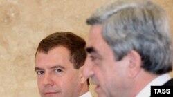 Сержу Саргсяну придется ответить в Москве на некоторые деликатные, но не очень трудные вопросы
