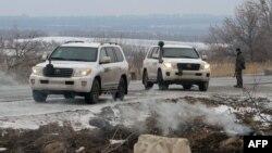 Ուկրաինա - ԵԱՀԿ դիտորդների ավտոմեքենաները Լուգանսկի շրջանում, 29-ը հունվարի, 2015թ․