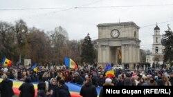 Protest la Chișinău după al doilea tur de scrutin al alegerilor prezidențiale