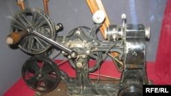 Кинопроекционный аппарат «КОК» Фирма «Пате», Франция, 1912 год. Передвижной кинопроектор для демонстрации немых фильмов