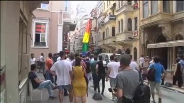 Istanbul: Suzavcem i gumenim mecima na LGBT aktiviste
