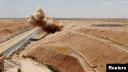 Uništavanje eksplozivnih sredstava u okolini Rake u Siriji, nakon preuzimanja tog dijela od militanata IDIL-a
