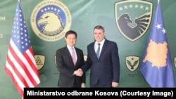 Zamjenik pomoćnika državnog sekretara SAD Hoyt Brian Yee i Ministar bezbijednosti Kosova Haki Demolli, Priština