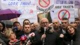 Gradonačelnik Severne Mitrovice u ostavci Goran Rakić na protestu protiv takse na robu iz Srbije i BiH