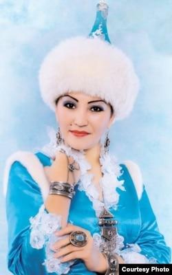 """Айгүл Елшібаева, қазақтың дәстүрлі әншісі һәм жыршысы. """"Дарын"""" мемлекеттік жастар сыйлығының иегері"""