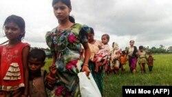 زنان و کودکان پناهجو در راخین میانمار