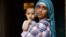 """Беженке из Йемена Марве и ее ребенку помогает благотворительная организация Комитет """"Гражданское содействие"""""""