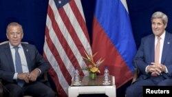 Ռուսաստանի արտգործնախարար Սերգեյ Լավրովն ու ԱՄՆ-ի պետքարտուղար Ջոն Քերրին, արխիվ