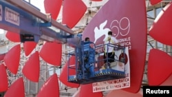 Последние приготовления к торжественному открытию 69-го Венецианского кинофестиваля, 28 августа 212 года.