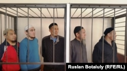 Подсудимые по делу «Таблиги Джамаат». Астана, 17 февраля 2016 года.