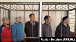 Подсудимые по делу «Таблиги Джамаата». Астана, 17 февраля 2016 года.