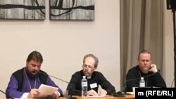 Євпископ УПЦ (МП) Олександр Драбинко, о. Георгій Коваленко, єпископ УПЦ КП Євстратій Зоря