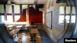 Prazne klupe u školama, ilustrativna fotografija