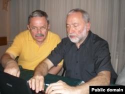 Мирослав Маринович та Йосип Зісельс, 18 травня 2012 року Йосип Зісельс, голова Асоціації єврейських організацій і громад (Ваад) України, український громадський діяч і дисидент єврейського походження, діяч українського єврейського руху.