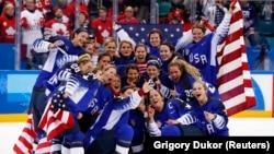Вони чекали на цю перемогу 20 років. Жіноча збірна США з хокею вдруге в історії стала олімпійською чемпіонкою