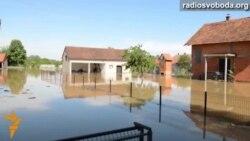 Світ у відео: вода змітає все на своєму шляху – найбільші за 120 років повені на Балканах