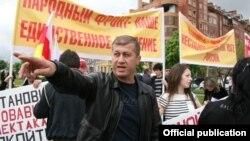 Тедеев проявил политическую активность, попытавшись принять участие в выборах президента Южной Осетии, но к участию в них не был допущен