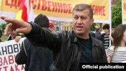 Общественная организация «Опора Ингушетии» пожаловалась в прокуратуру, обвинив Дзамболата Тедеева в нарушении норм Конституции