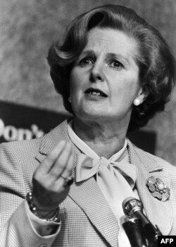Консерватив фирка җитәкчесе Маргарет Тетчер премьер-министр вазифасына керешер алдыннан 1979 елның апрелендә