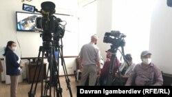 Азимжан Аскаровдун сотуна журналисттер киргизилген жок.