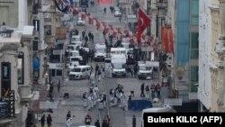 На месте взрыва в Стамбуле. 19 марта 2016 года.