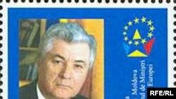 Жители Молдавии были вынуждены поздравлять родных и близких портретом президента
