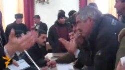 """Daşqın qurbanları: """"Nazirin özü gəlsin!"""""""