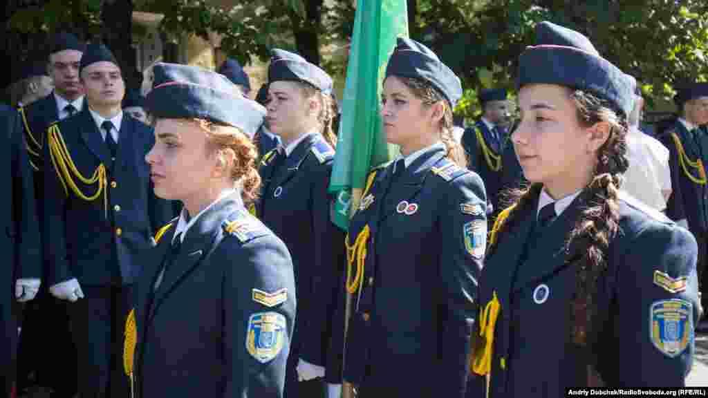 Урочиста варта курсантів Київського коледжу зв'язку
