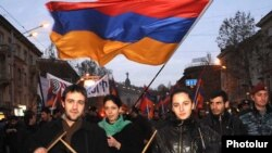 Armenia -- Supporters of the opposition Armenian National Congress march through central Yerevan, 18Feb2011.