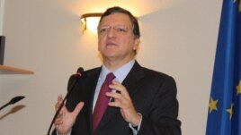European Commission President Jose Manuel Barroso speaks to parliament in Chisinau on November 30.