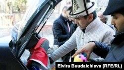 Студенты-кыргызстанцы привезли помощь беженцам из Сирии.