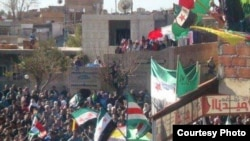 Шема - протесташкахь берш байракхаш лестош бу, царна юкъахь Ичкерин байракх а ю, Рас аль-Iайн, 06Чил2012