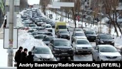 Затор на дорозі, Київ, 26 березня 2013 року
