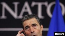 Генэральны сакратар НАТО Андэрс Фог Расмусэн ў часе прэсавай канфэрэнцыі ў Брусэлі. 7 сакавіка 2011 г.