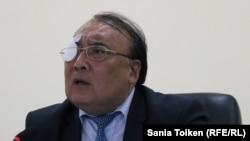 Ректор Атырауского университета нефти и газа Али Абишев.