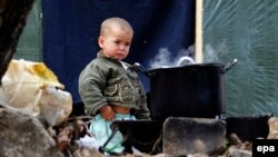 یک کودک خردسال سوری در اردوگاهی در جنوب لبنان