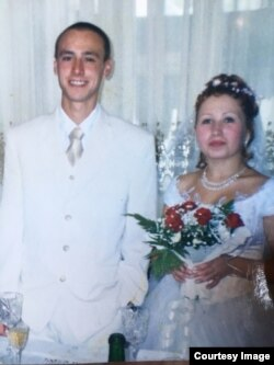 Сергей и Алёна Сенины, август 2002 г.