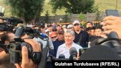 Қырғызстанның экс-президенті Алмазбек Атамбаев Кой-Таш ауылындағы үйінде. 27 маусым 2019 жыл.
