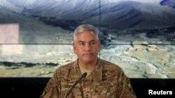Американскиот командант во НАТО силите во Авганистан, Џон Кембел