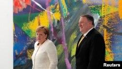 Анґела Меркель і Майкл Помпео під час зустрічі в Берліні 31 травня 2019 року