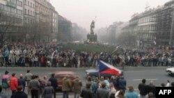 Pamje nga protestat e studentëve, në nëntor 1989.