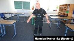 Priprema učionice za maturski ispit u srednjoj školi u Njemačkoj