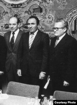 Аляксей Каўка, Вячаслаў Адамчык і Адам Мальдзіс. 1980-я гг. З фондаў БДАМЛМ